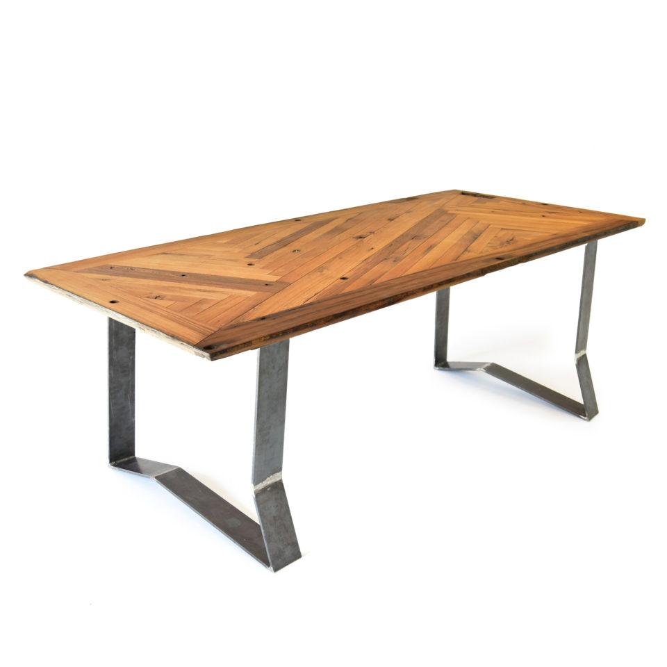 lignaro. nachhaltiger Upcycling Tisch in Eiche